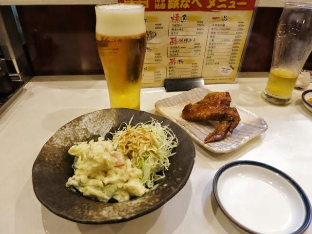 ポテサラと手羽先と生ビール