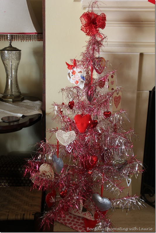 Valentine Mantel-Bargain Decorating with Laurie