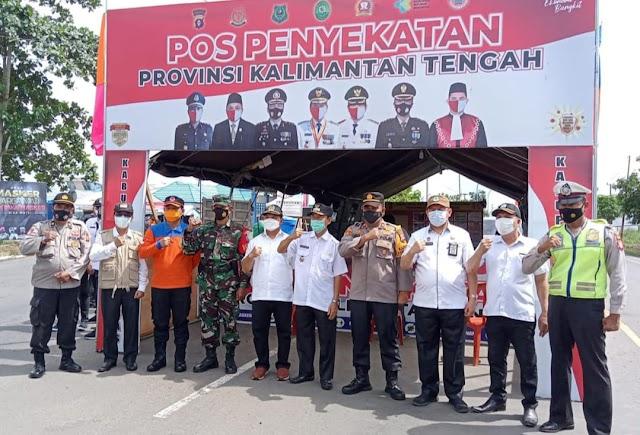 Wakil Ketua DPRD dan Wabup Kapuas Tinjau Pos Penyekatan Perbatasan