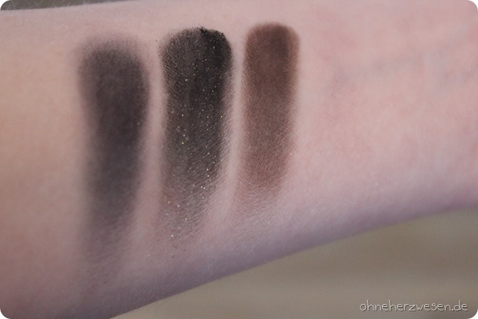 MAC Cosmetics Kosmetik Lippenstift Eyeshadow Lidschatten Kajal Kohl Power Eye Pencil Lipstick Dark Desires LE Limited Edition Revie Haul Swatch Test Einkauf Boyfriend Stealer Heavy Petting Deutsch 4
