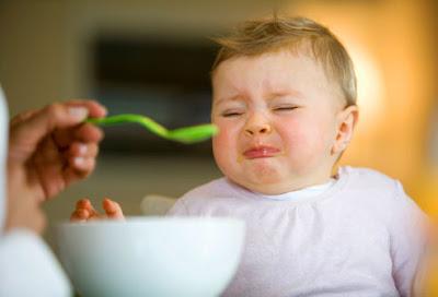 Bayi Muntah Setiap Kali Makan