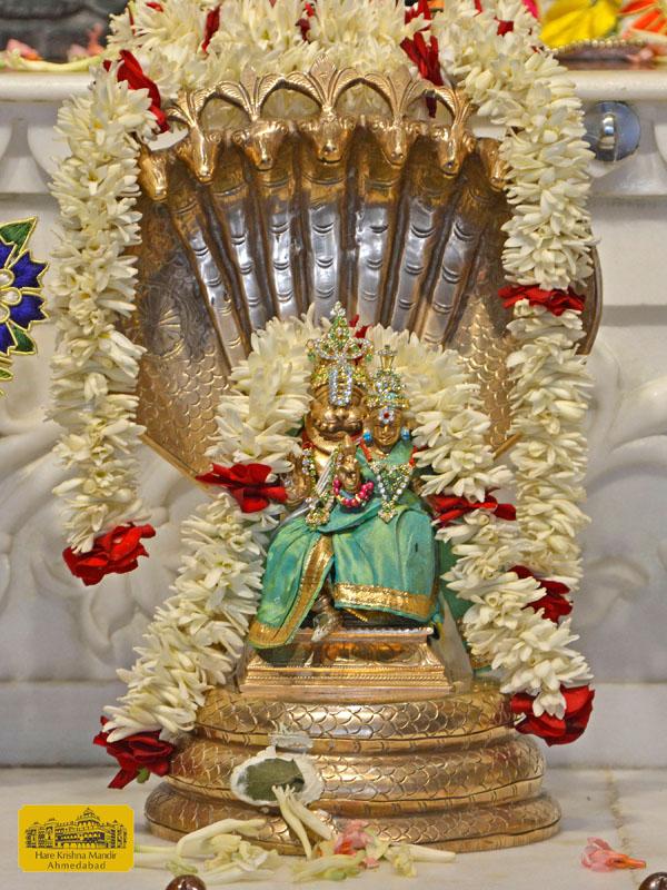 ISKCON Hare Krishna mandir Ahmedabad  05 Jan 2017 (9)