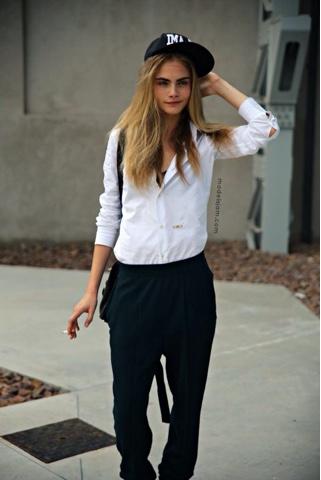 Outfit pantaloni neri larghi