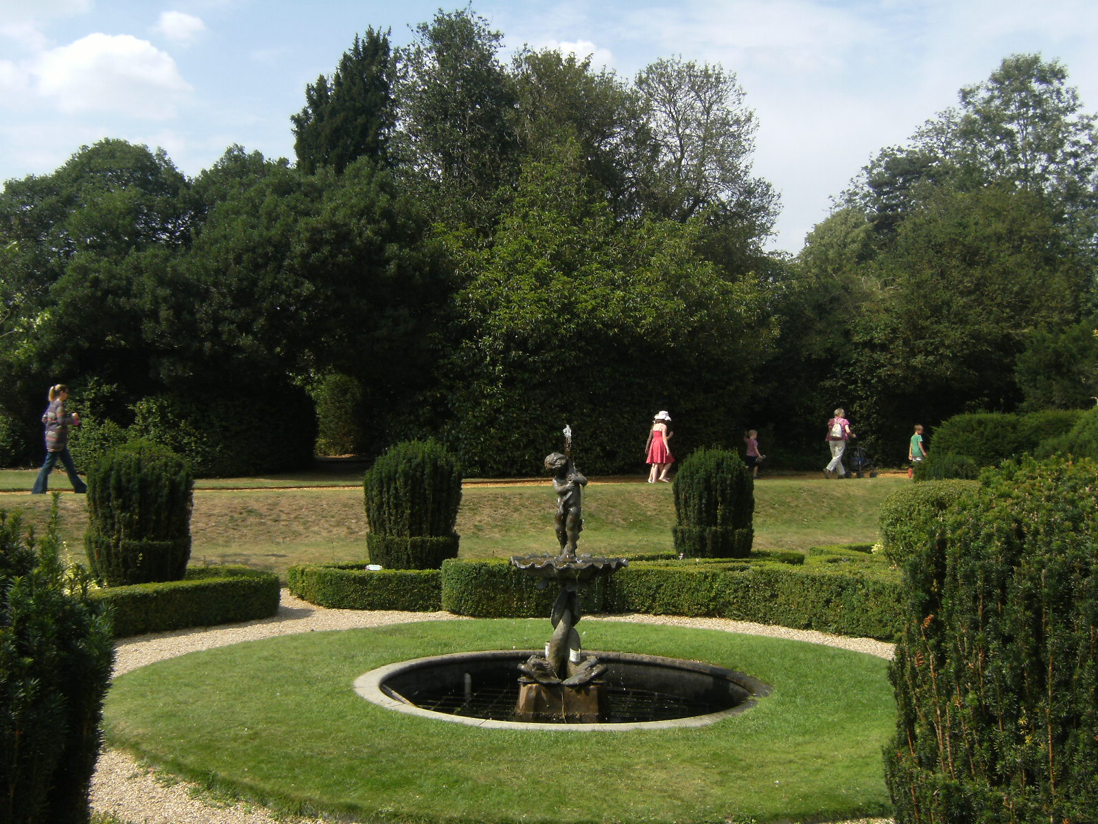 DSCF9024 Dutch Garden, Bridge End Garden