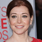 alyson-hannigan-updo-chic-red.jpg