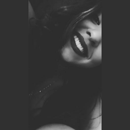 Victoria Souza01
