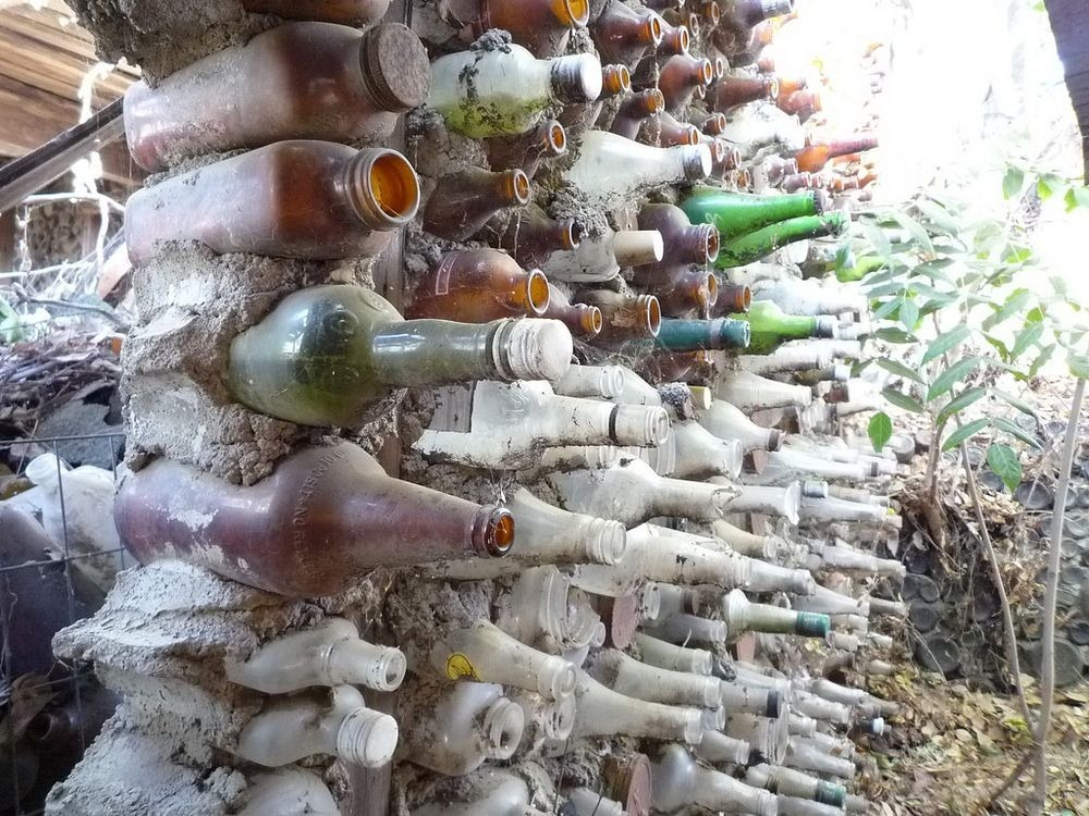 grandma-prisbrey-bottle-village-2