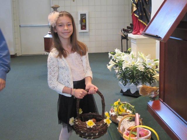 Błogoslawienie pokarmów w kościele MOQ, Norcross. Ks. Piotr Nowacki. zdjęcia E. Gürtler-Krawczyńska - 007.jpg