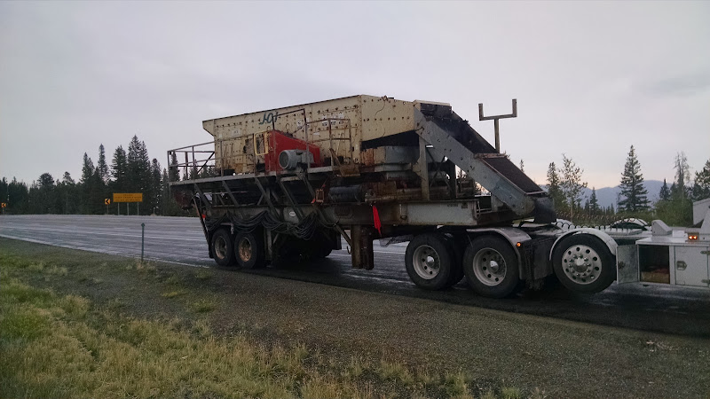 oversize shaker screen loaded on a flatbed trailer in Idaho