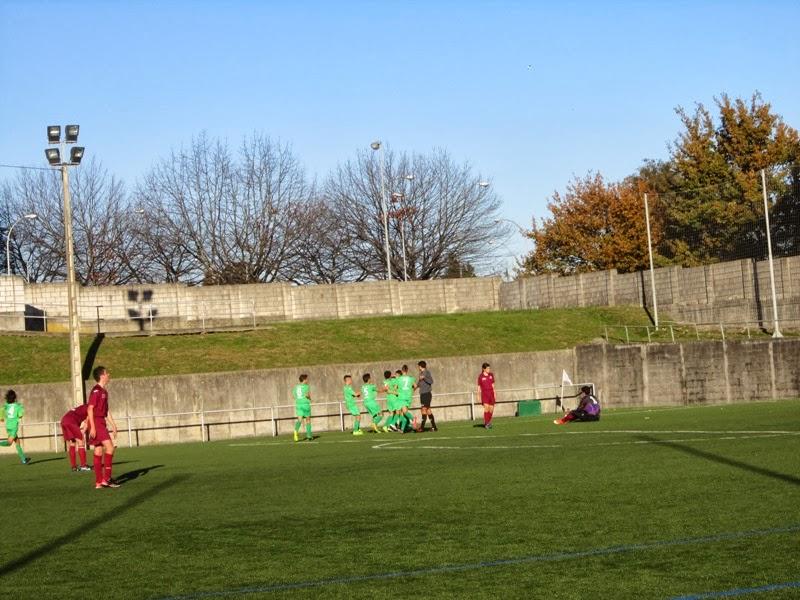 Instante do partido Selección Sub-14 Ferrolterra - Santiago. Caranza 06/12/2013