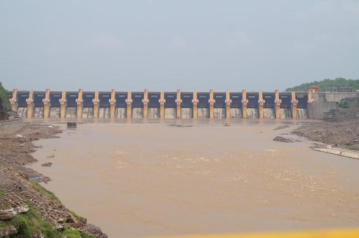 Omkareshwar and Hanmuntiya water resort - DSC06432.JPG