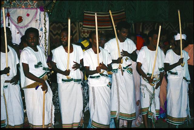 الزواج والافراح فى جيبوتى تتناغم العادات العربية والافريقية (( صور ))Djibouti  026%252520Mariage%252520afars%252520decembre%2525201990