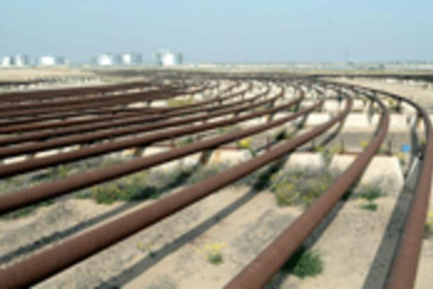 Kuwait - oil pipelines