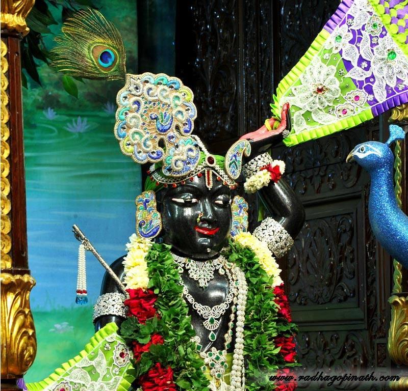 ISKCON Chowpatty Deity Darshan 15 Mar 2016 (15)