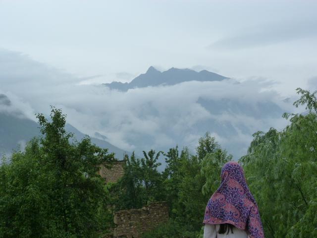 en face Mont Gong ba 5100 mètres