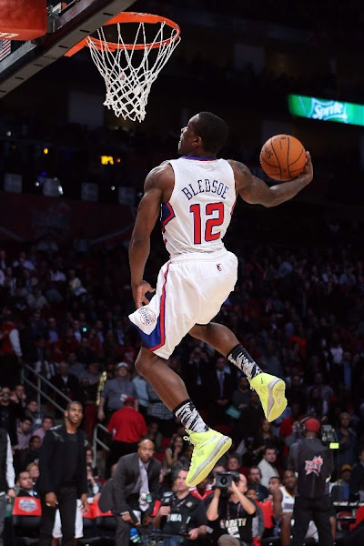 Wearing Brons Eric Bledsoe Takes Flight in Volt LeBron X8217s