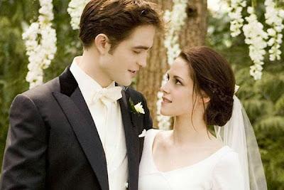 Cặp đôi ma cà rồng Bella - Edward sẽ trở lại qua... Facebook