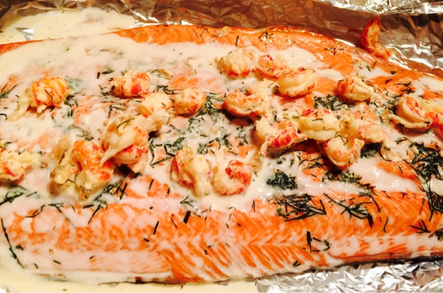 Salmon and shellfish with lemon and dill