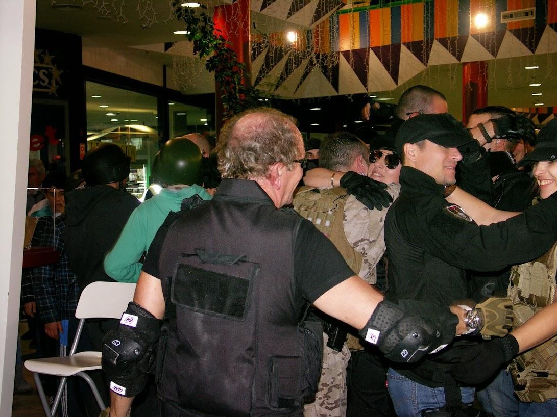 """EXHIBICION EN EL CENTRO COMERCIAL """"PUERTA DE TOLEDO"""". PICT0171"""