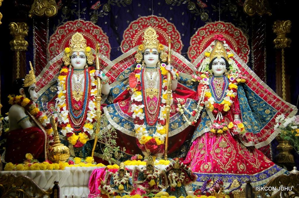 ISKCON Juhu Sringar Deity Darshan on 1st May 2016 (21)