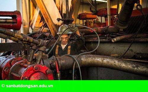 Hình 1: Giá dầu lên cao nhất từ đầu năm