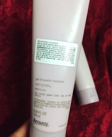 Amway Artistry Essentials Balancing Cleanser