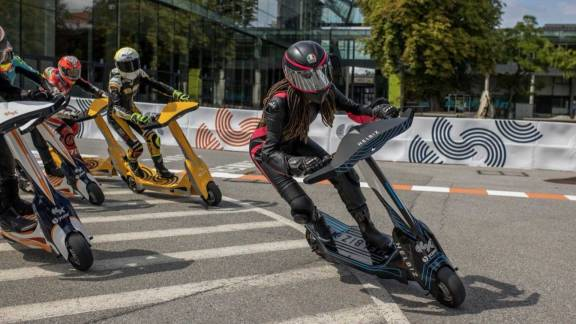 Several years have passed since electric kick scooters were first introduced. In several cities all over the world, electric kick scooters have proved themselves as dependable, if sometimes controversial, means of personal mobility. The fact that there hasn't been a professional racing series involving the electric scooters in all this time is rather surprising.  Electric power sports have ushered in tons of thrilling racing series. There is a new racing series centered around electric kick scooters. However, these aren't just any kick scooters. As you know, eSkooter is set to become the first international championship for electric scooters after it launches sometime in 2022.     You would be wrong if you thought that any old kick scooter would be suitable for racing in the series. As mentioned earlier, these are not your typical electric scooters. In fact, the scooters can reach speeds of more than 100 kilometers per hour.