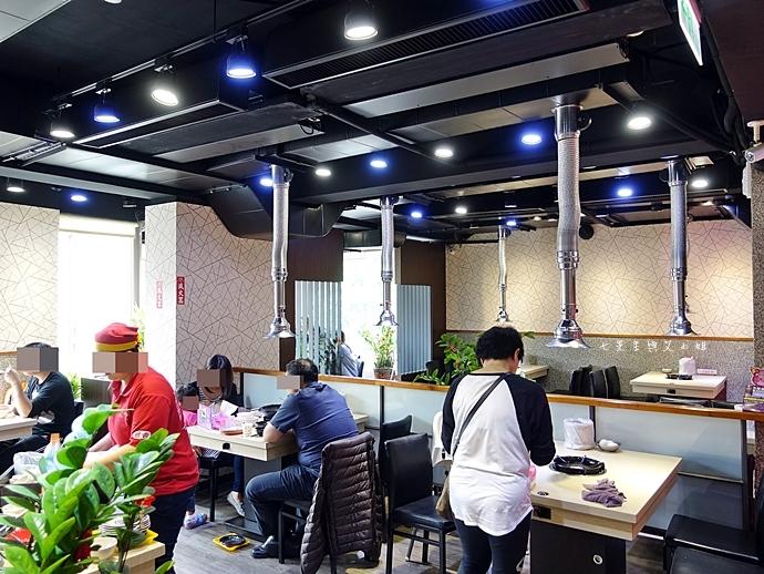 3 雅香石頭火鍋 新北新莊 西門町老店