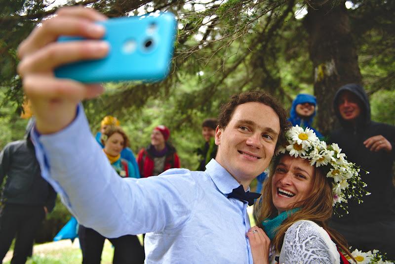 Selfie time, la adapost de ploaie.