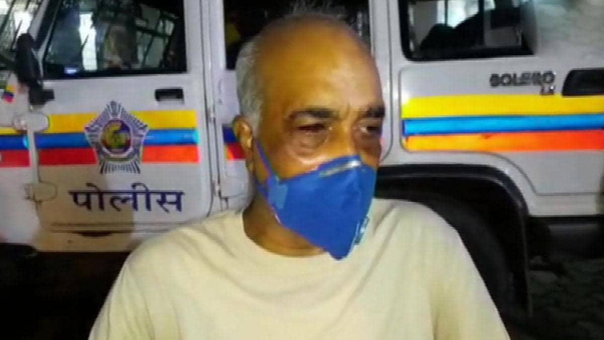 मुंबई में रिटायर्ड नेवी अफसर की पिटाई पर घिरी शिवसेना, 6 पार्टी कार्यकर्ता गिरफ्तार
