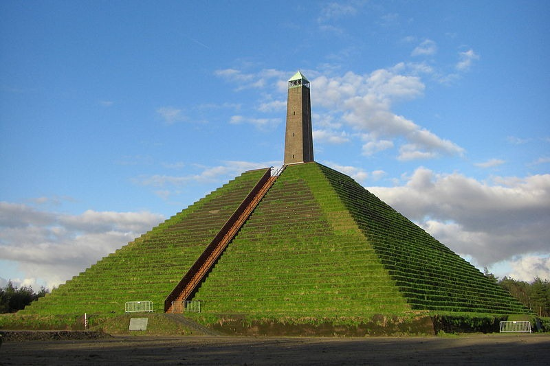 pyramid-of-austerlitz-4