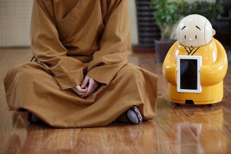 robot-monk-4