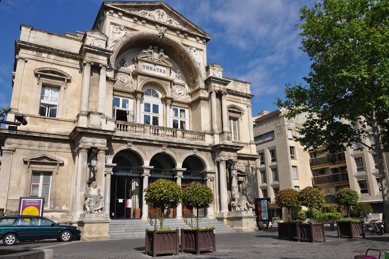 Kết quả hình ảnh cho thành phố lịch sử Avignon