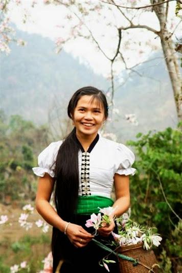 thang 3 hoa ban ve tren thao nguyen xanh moc chau4 Tháng 3 – mùa hoa ban về trên thảo nguyên xanh Mộc Châu