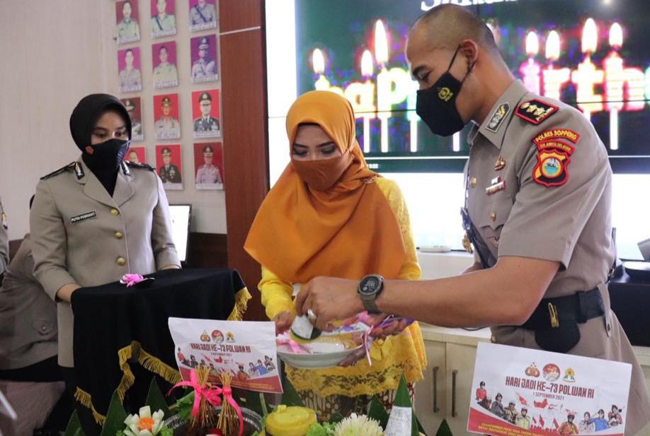Hari Jadi Ke - 73 Polwan, Laksanakan Syukuran Sederahana di Aula Patria Tama Polres Soppeng