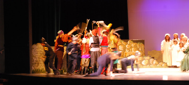 2012PiratesofPenzance - DSC_5935.JPG