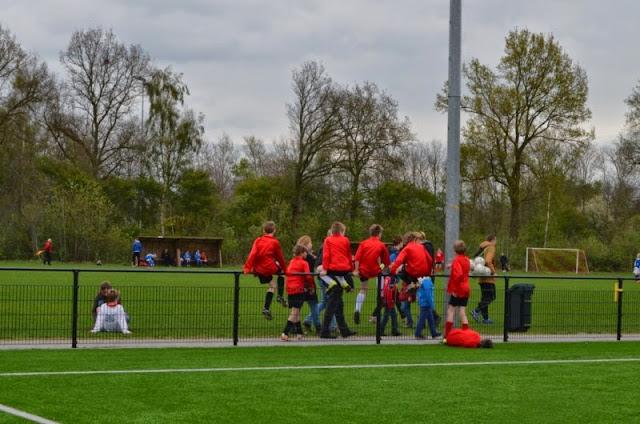 voorrondes schoolvoetbal 9 april 2014 - DSC_0192%2B%255B800x600%255D.jpg
