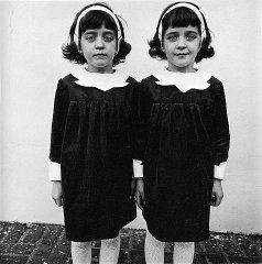 Vienodos dvynės, Roselle, Niu Džersis 1967