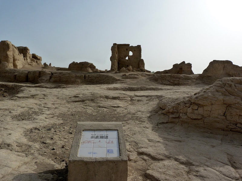 XINJIANG.  Turpan. Ancient city of Jiaohe, Flaming Mountains, Karez, Bezelik Thousand Budda caves - P1270765.JPG
