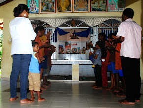 Photo: prayer at Children home