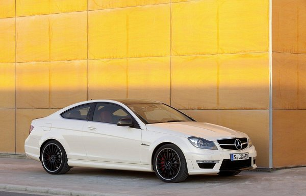 Car Modification: Carros Tuning - C63 AMG Tuning 1/4