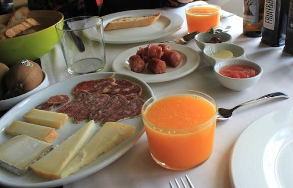 Esmorzar a l'Hotel Cresol.jpg