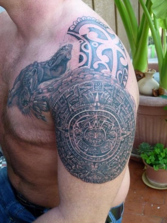 incrvel_ombro_asteca_tatuagens_para_homens