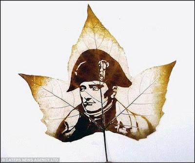 انقش صــورة تحــب الشجــر.. غاية الروعة leaf_painting_art_19