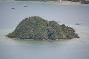 Pulau Setan menjadi salah satu surga wisata di Kabupaten Pesisir Selatan