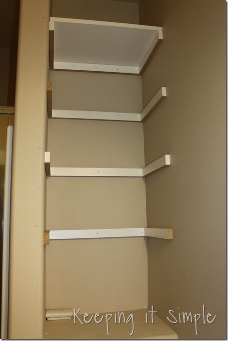 DIY-Shelves-For-A-Small-Bathroom (7)