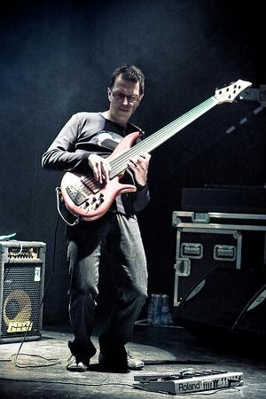 how to play you can call me al bass solo
