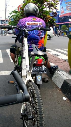 M-Bike Carrier dari jauh