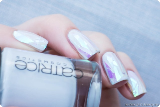 Shattered Glass Ice Nails Nailart Winter Trend-3