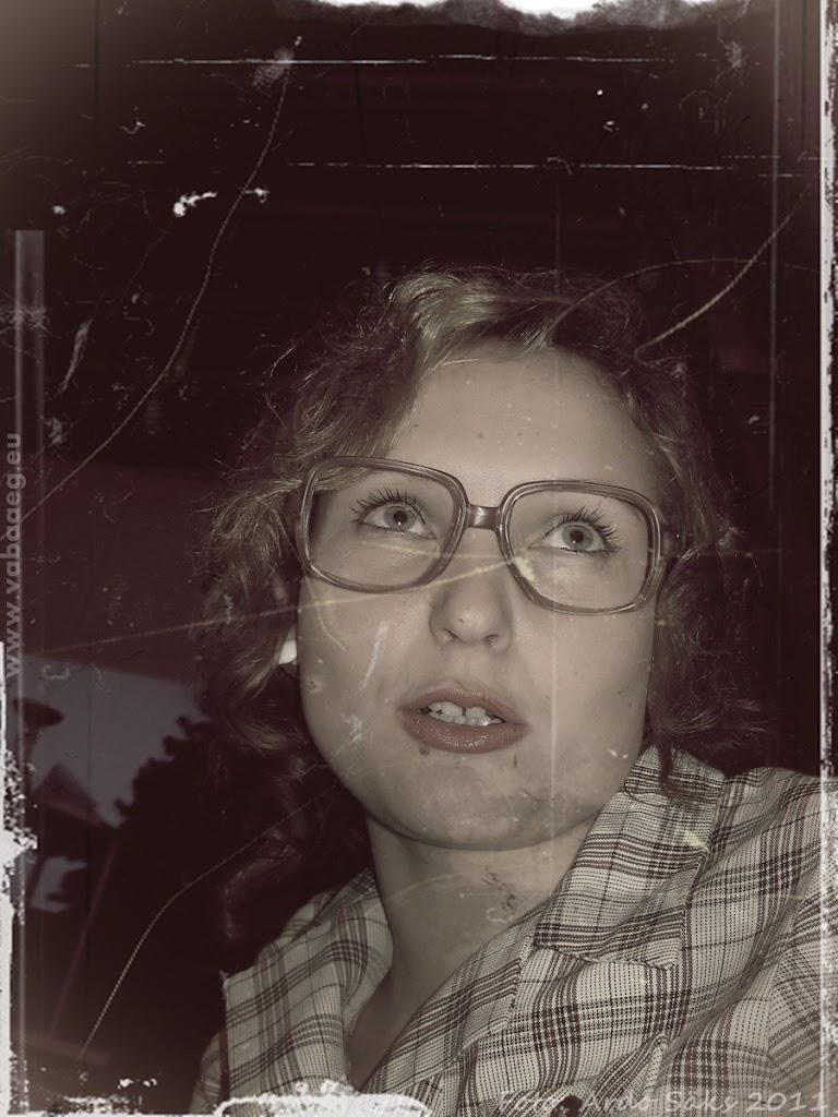 03.12.11 Kaadreid aegadetagusest viisaastakupeost - fotod pole küll hästi säilinud aga funk sama! - AS03DETS11KOLHOOS-030SM.jpg